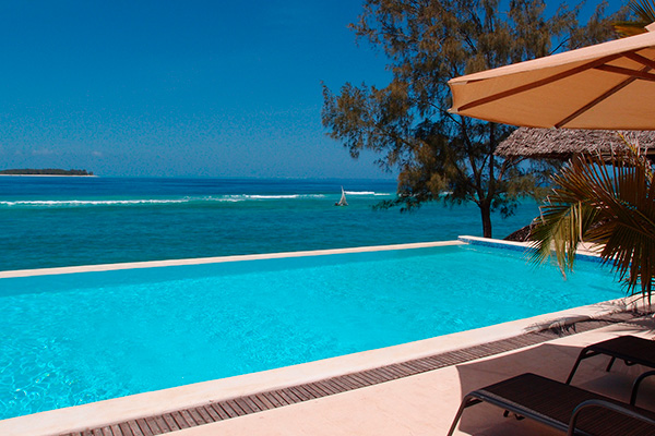 Zanzibar_pool_ocean